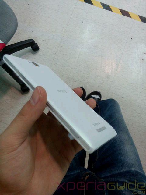 Sony Xperia S39h Model Photos 2013