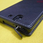 Earphone jack port in Xperia Z flip Case by Roxfit