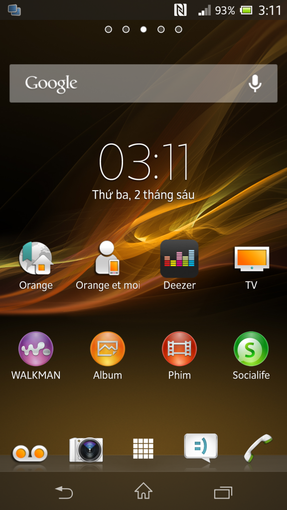 Home Screen in Xperia Z C6603 10.3.1.A.1.10 firmware Update Rolled on ORANGE Carrier