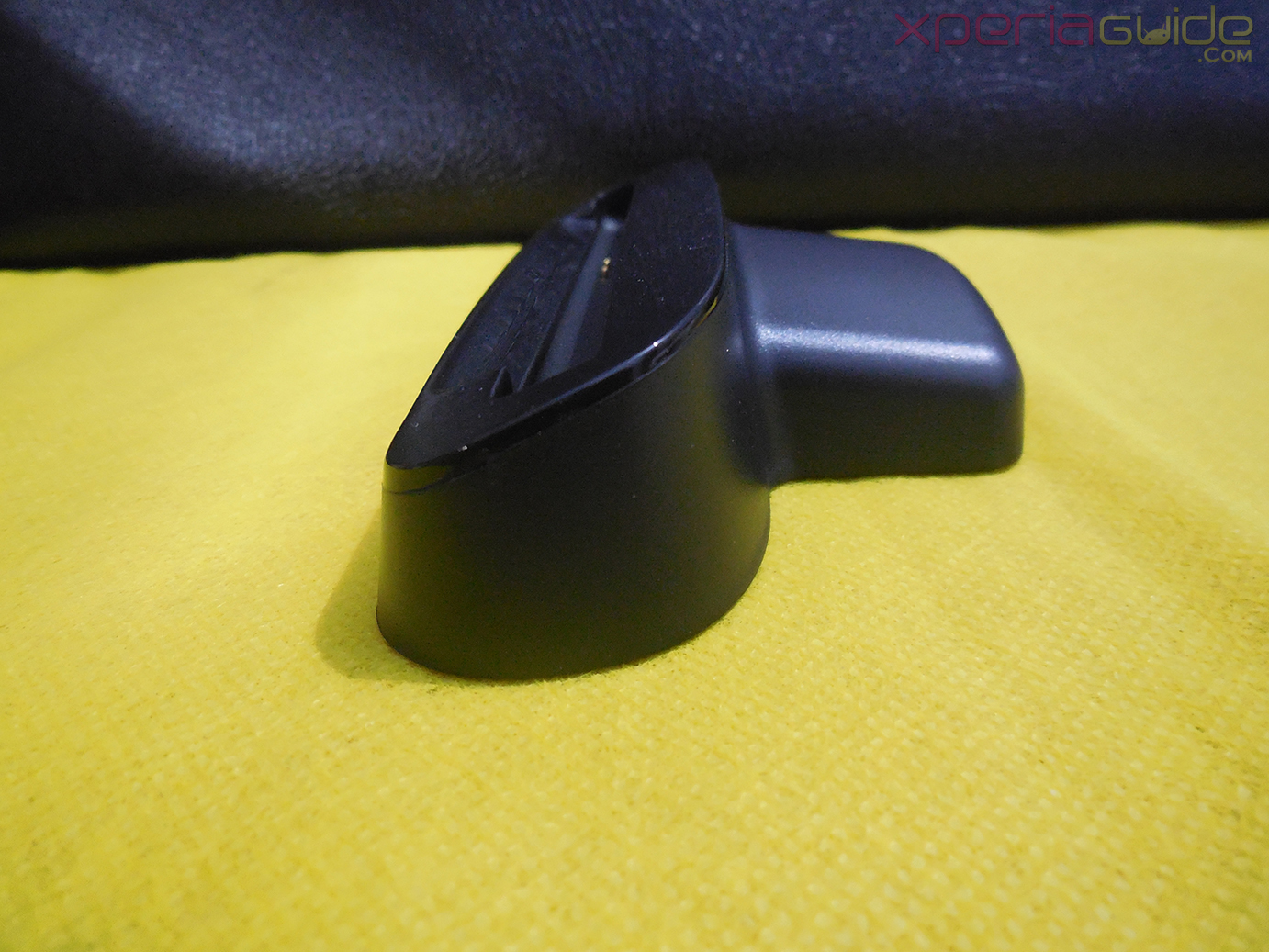 Side view of Goose White Xperia Z Charging Dock