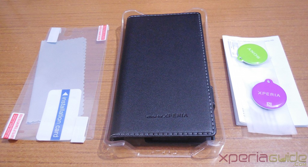 Xperia Z Smart Pack by Roxfit Contents