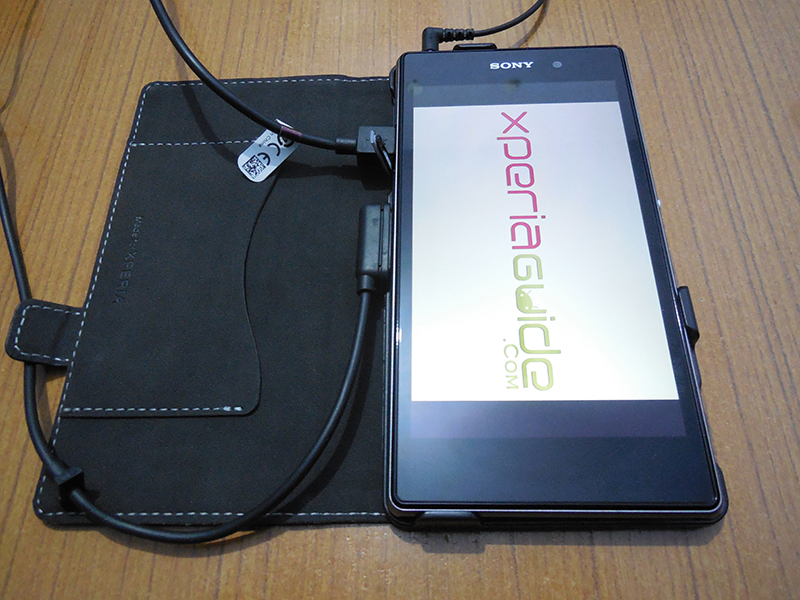 Muvit Xperia Z1 Case all ports accessible