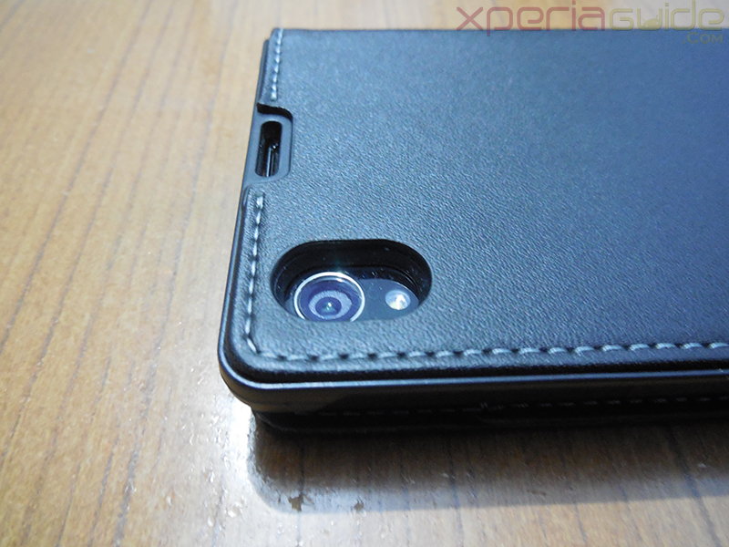 Camera opening in Muvit Black Leather flip case for Xperia Z1