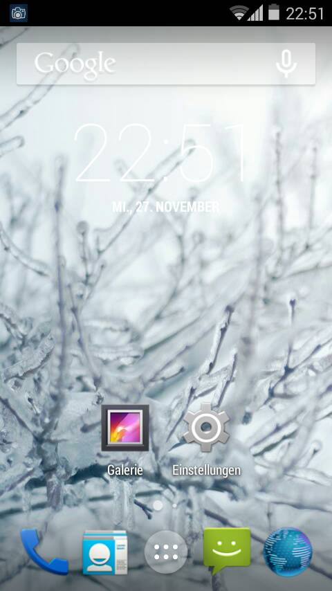 Unofficial CyanogenMod 11 KitKat 4.4 ROM for Xperia Arc Home screen