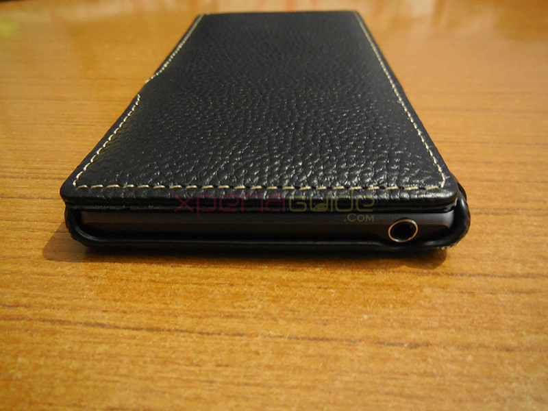 3.5 mm headphone jack opening in Xperia Z1 Hard-shell flip Leather Case from TETDED