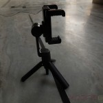 Side profile of Sony Smartphone Tripod SPA-MK20M - Screwing holder on tripod