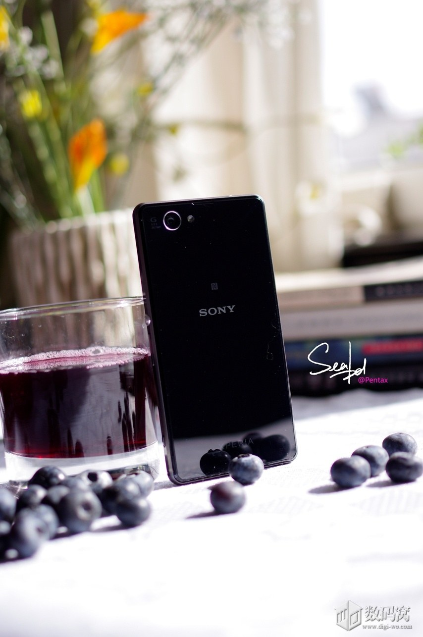 Xperia Z1 Compact in Black color