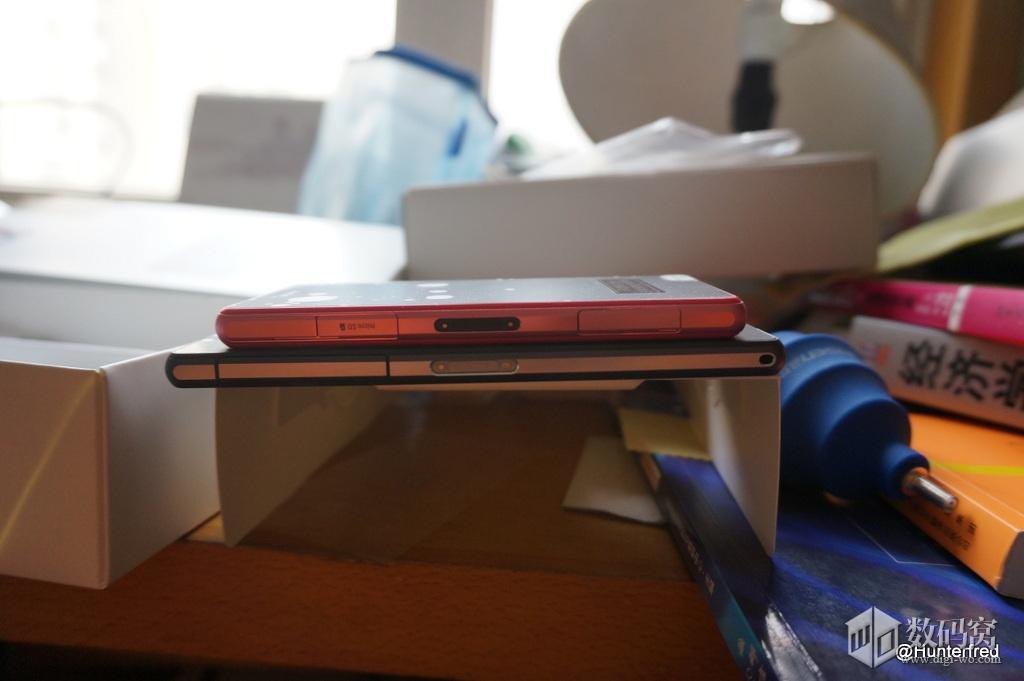 Xperia Z2 vs Xperia Z1 Compact thick