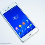 Elegant White Xperia Z3 unboxing hands on photos