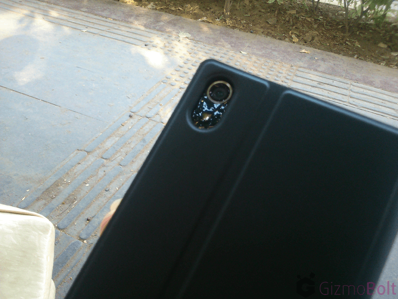 Camera opening in Xperia Z2 SCR10 Cover Case