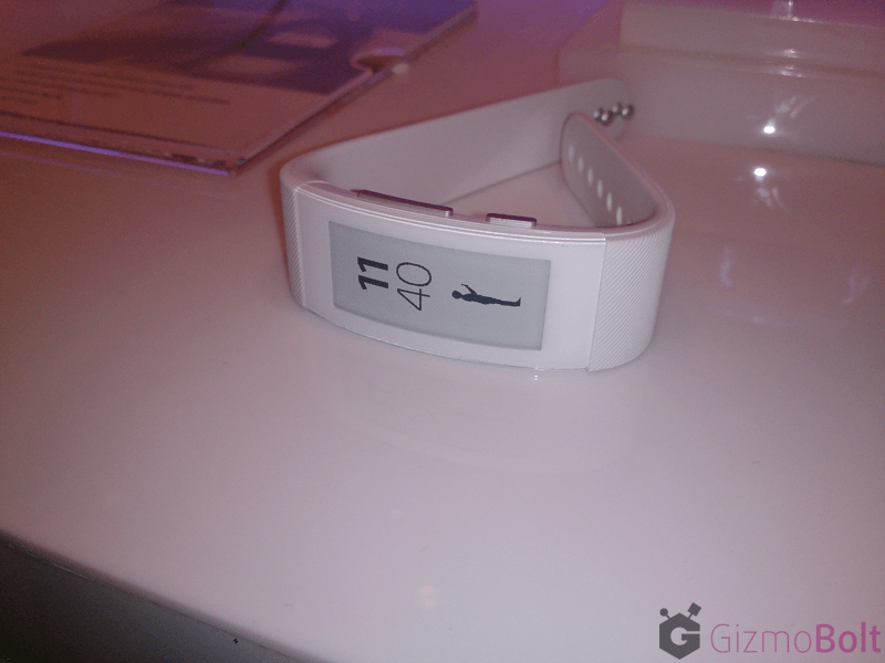Hands on Sony SmartBand Talk SWR30