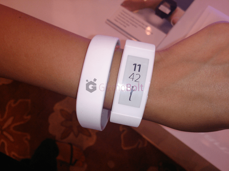 SmartBand Talk SWR30 vs SWR10