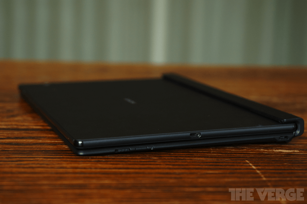 How to turn Xperia Z4 Tablet into a Laptop