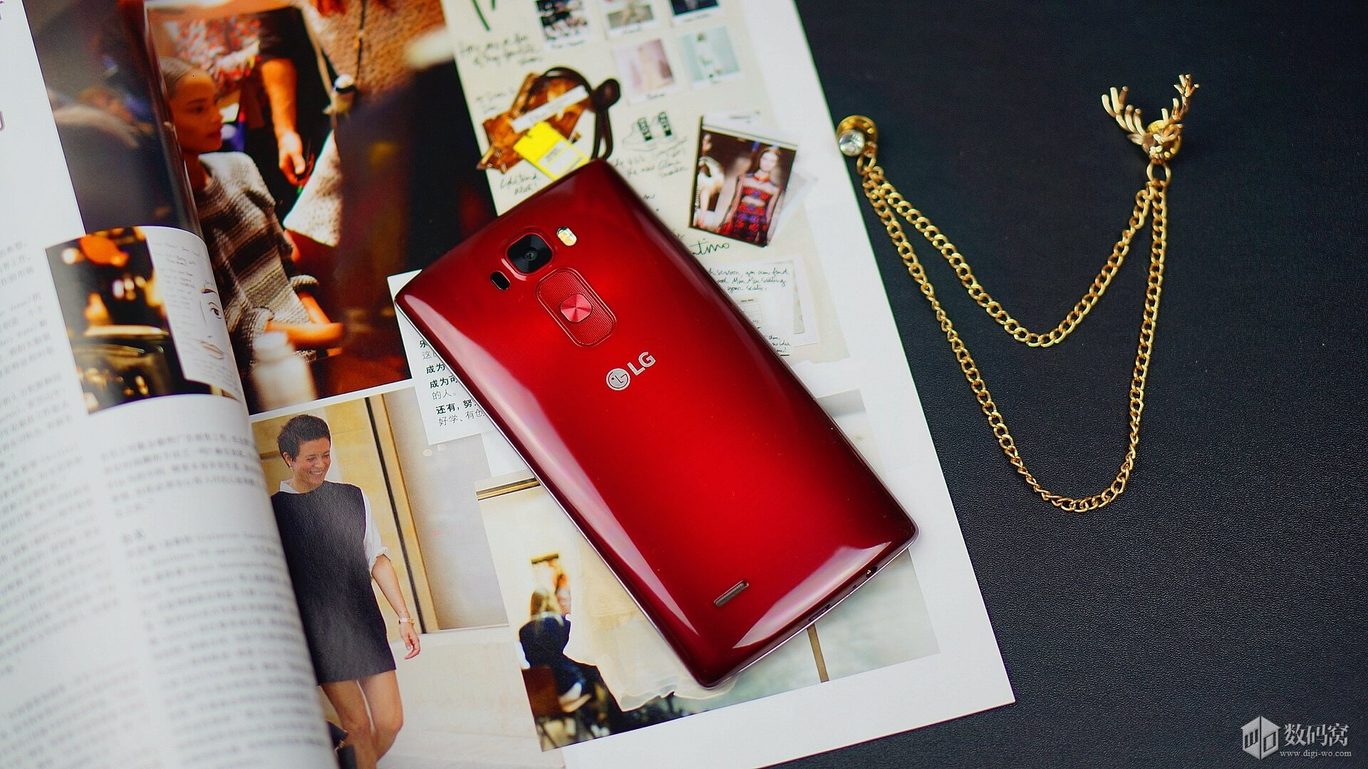 Red LG G Flex2 hands on