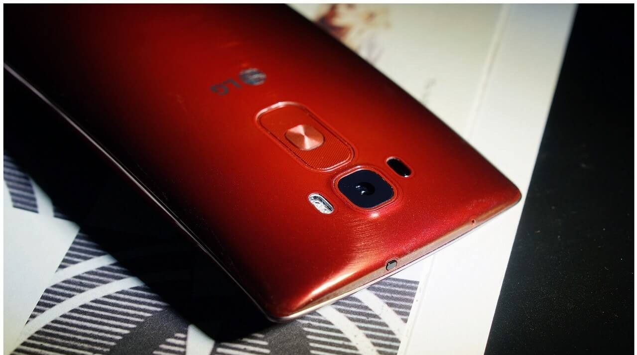 Red LG G Flex2 Rear side