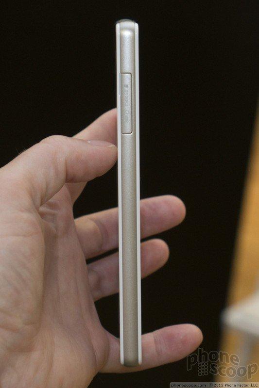 Xperia Z4v microSD card slot