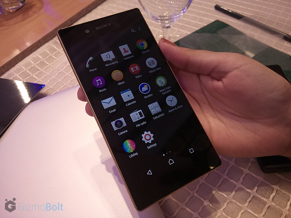 Xperia Z5 hands on pics comparison