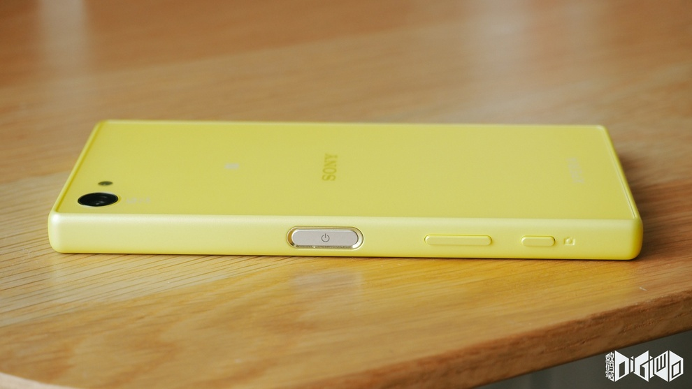 Xperia Z5 Compact Fingerprint Sensor cum Power Button