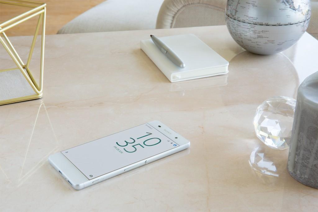 Xperia XA White Design