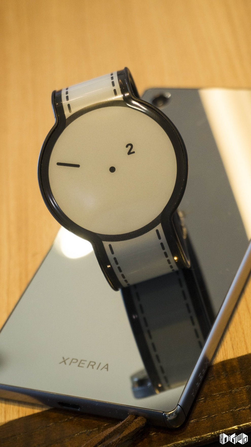 Sony's crowdfunded FES e-ink watch Hands On pics